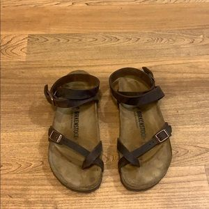 Leather strappy Birkenstock's
